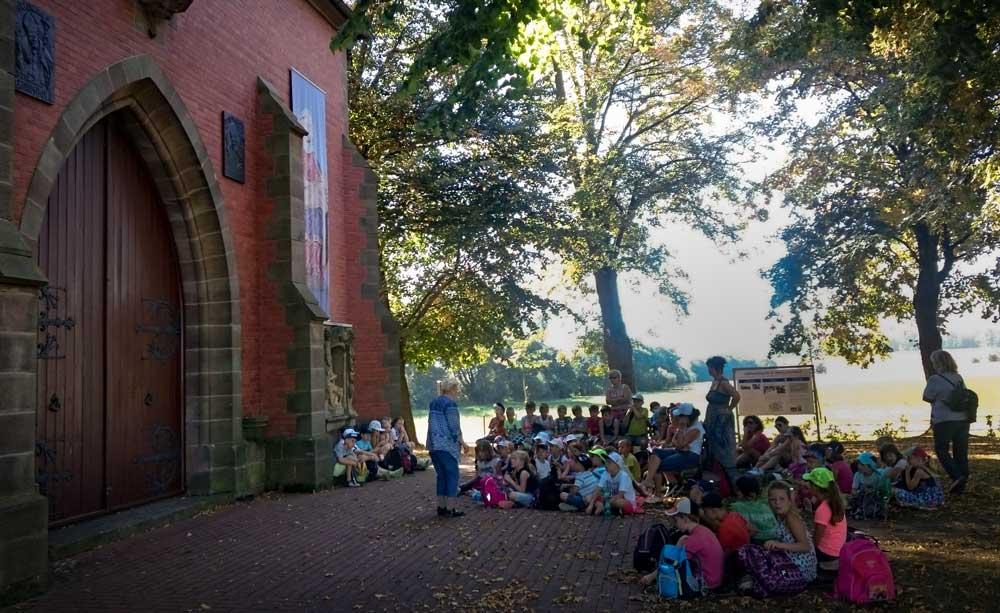 Grundschule Wingerode Wandertag in Etzelsbach